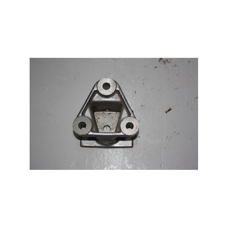 Supporto anteriore motore fiat 170-190 Riferimento Iveco n. 4677247
