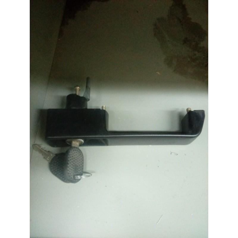 Maniglia porta laterale con chiave Miraglio 80/332 x Iveco Daily