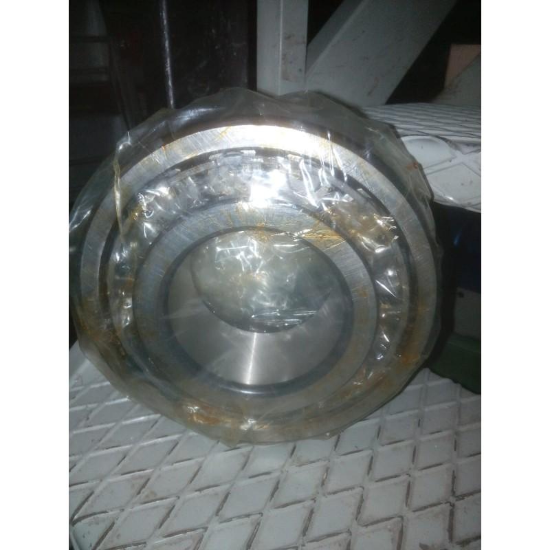 Cuscinetto SKF NJ2318 a rulli cilindrici con boccola interna