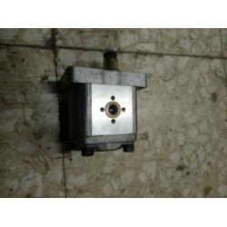 Pompa Servosterzo marca Cei n. 280221, con rotazione dx C42-X, Filetto in pollici