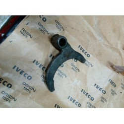 Forcella comando 1 velocità e RM Riferimento IVECO n. 540900